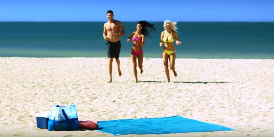 Toalha de Praia sem Areia Beach Mate -  Quicksand Mat, Uma toalha de praia que, por ser feita de polietileno de alta densidade, não acumula grãos de areia